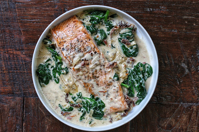 Creamy Tuscan Salmon with Sundried Tomatoes and Spinach
