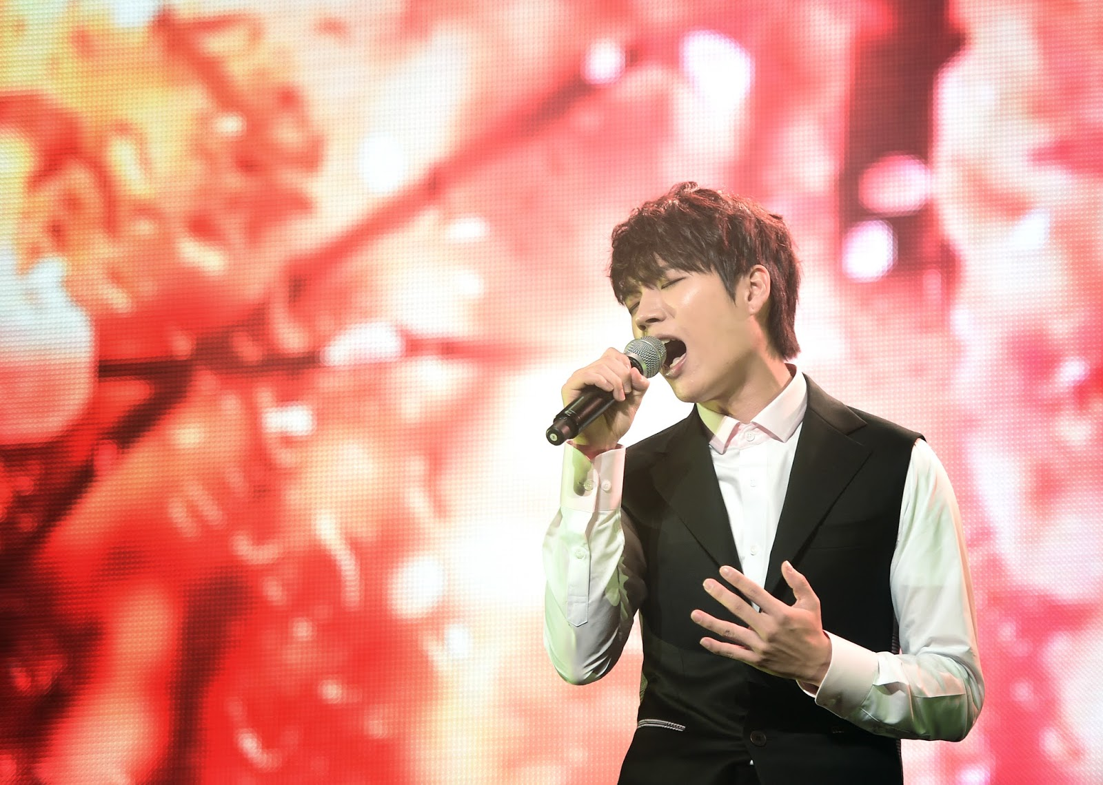 INFINITEs Nam Woohyun Releases Tender Music Video If Only You.