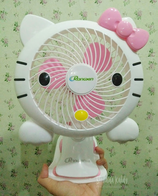 koleksi kipas Hello Kitty
