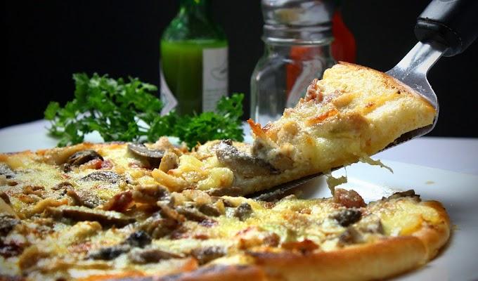 Pizza de parmesano y setas