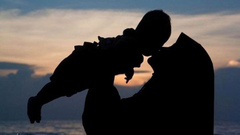 mengurus mendidik anak suami istri bekerja