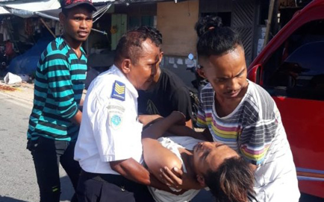Tersinggung, Anggota Brimob Kokang Senjata dan Pukuli Warga Maluku hingga Babak Belur