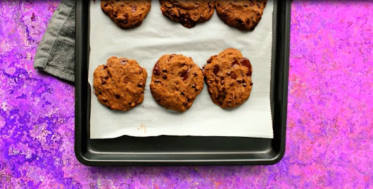 Chocolate Chip Quinoa Cookies (vegan, gluten free, grain-free, soy-free) - BAKING BACKWARDS