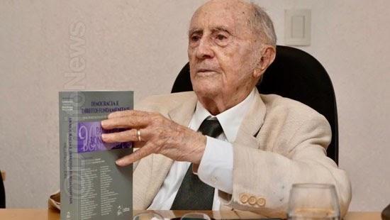 constitucionalista paulo bonavides morre 95 anos