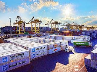 Lo shipping ungherese in visita al molo VII del porto di Trieste