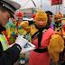 တရုတ္နိုင္ငံ Henan province ျပည္နယ္အေ၀းေျပးလမ္းမွာ လိုင္စင္အသိမ္းခံ ရတဲ့ေမ်ာက္မင္း News