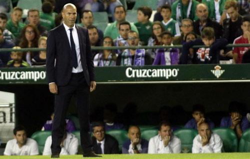 """Zidane vui mừng vì Ronaldo đã """"giải hạn"""""""