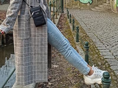 damski płaszcz w kratę - stylizacje