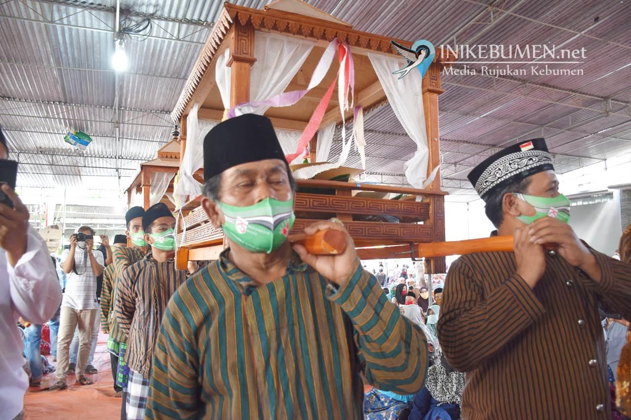 Tradisi Ingkungan Masjid Banyumudal Ditengah Pandemi Covid-19