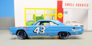 Hot Wheels Hall of Fame  Petty  Plymouth