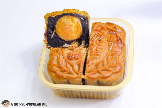 Hongley's Black Bean Paste Mooncake