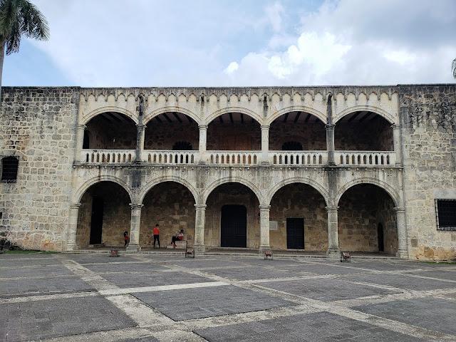 alcazar de colon zona colonial santo domingo dominican republic