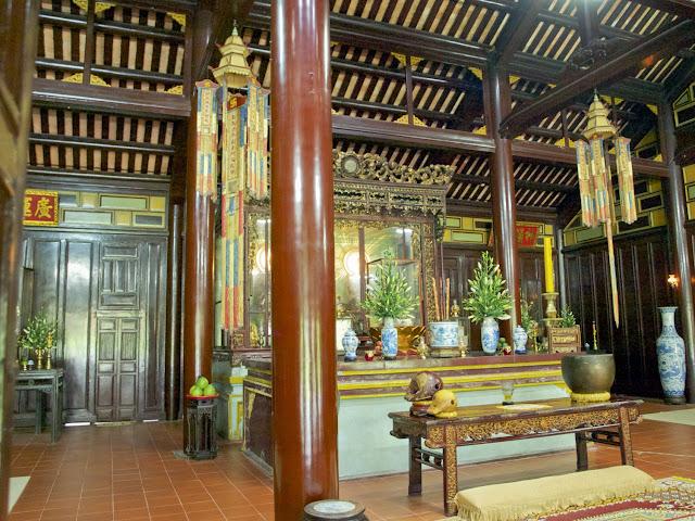 Interior de la Pagoda de Thien Mu, Hué