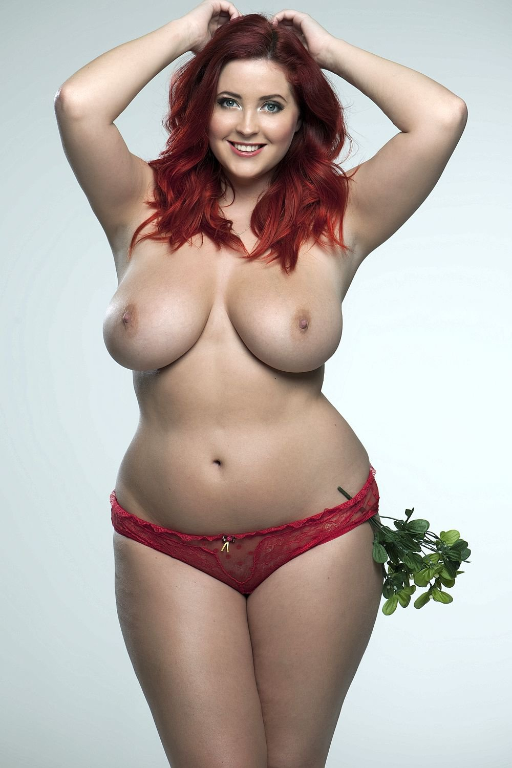 topless-plumper-hot-sports-nude