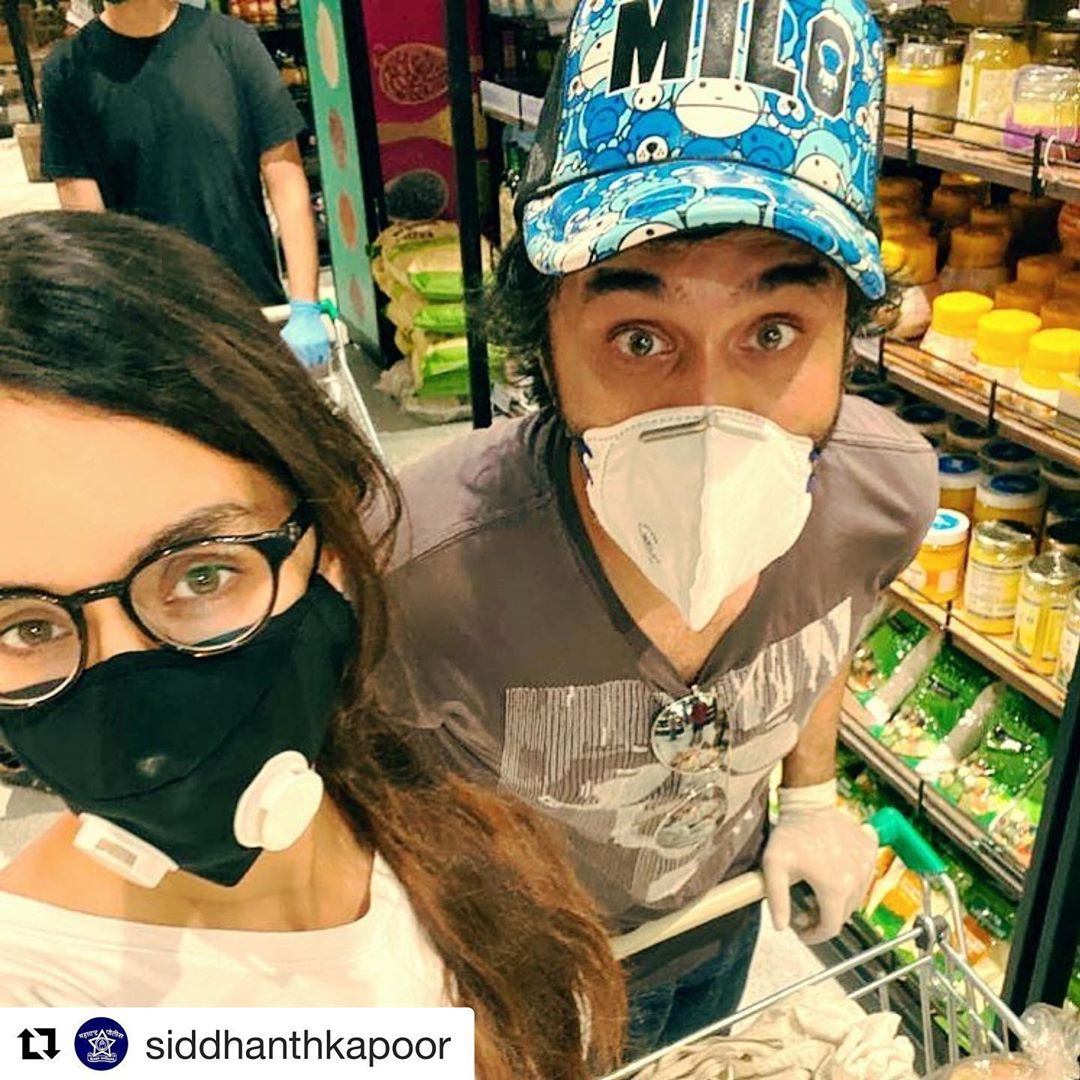 shraddha-kapoor-reached-for-shopping-with-brother-amid-lockdown