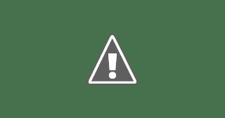 Dibujo que representa a un doctor enseñando lo que es la Osteoporosis
