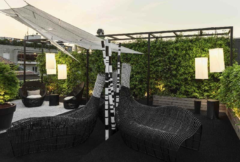 Il nuovo allestimento del rooftop del Senato Hotel Milano