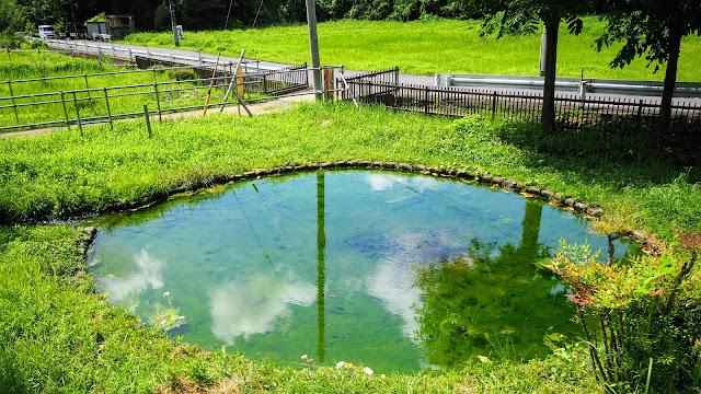 矢野口を起点にして鶴見川を水源の泉から河口まで下って、鶴見で南米・沖縄料理を楽しみ、多摩川を遡って矢野口に戻るサイクリングコース