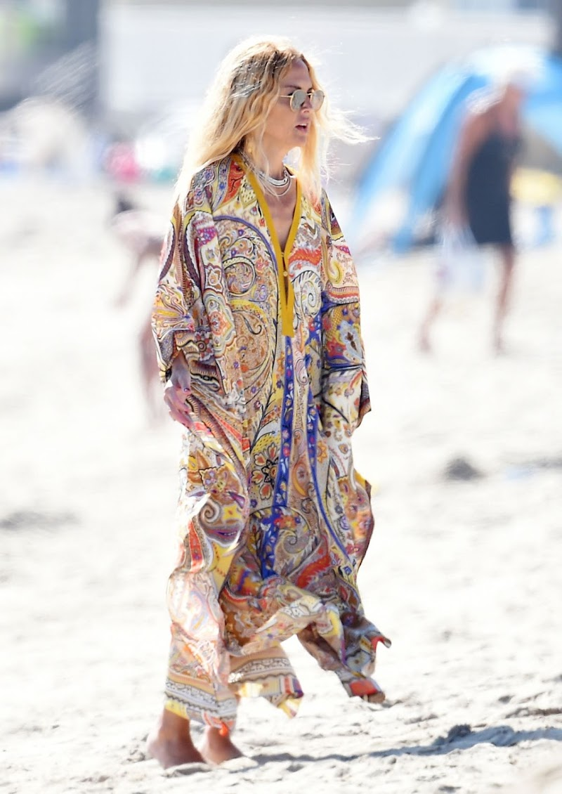 Rachel Zoe  Outside on Her Birthday at a Beach in Los Angeles 1 Sep -2020