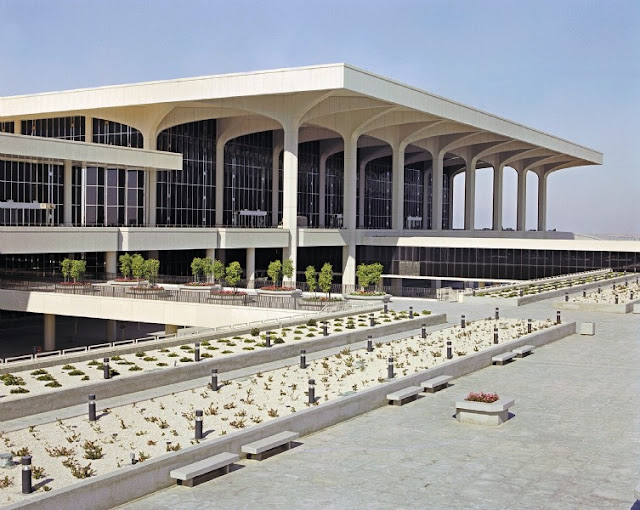 http://www.pbc.today/2017/05/an-imposing-airport-is-king-fahd.html#more