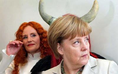 Politiker lustig - Angela Merkel mit Hörnern