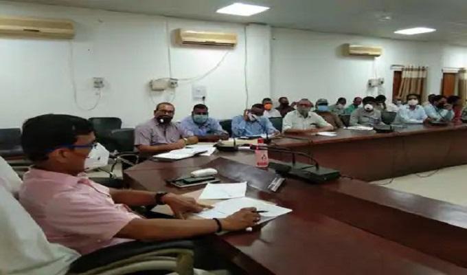 गाजीपुर: जिलाधिकारी ने गोआश्रय स्थल के रख-रखाव को लेकर दिखायी गंभीरता