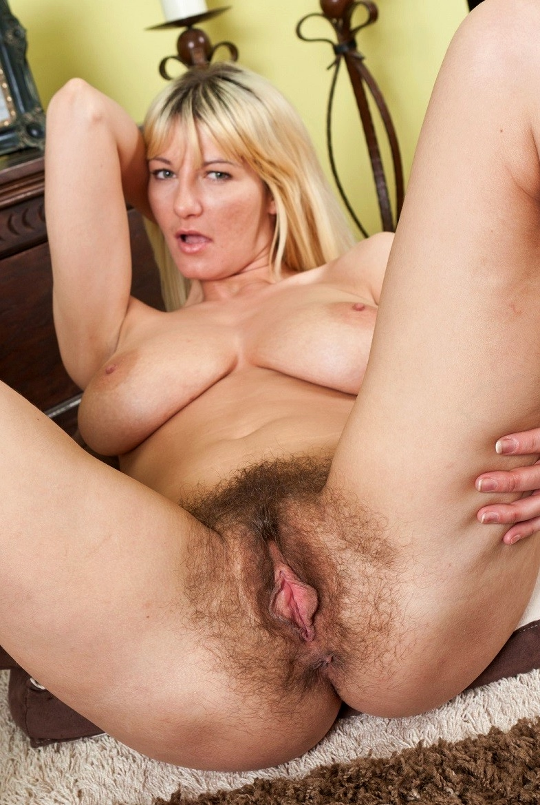 57 year old dutch woman masturbate 10
