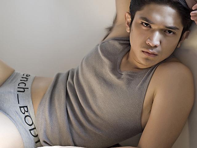Ang Lumang Shorts at T-shirt