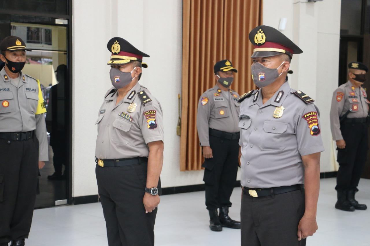 Tak Pernah Melakukan Pelanggaran, Tiga Polisi di Kebumen Naik Pangkat Istimewa