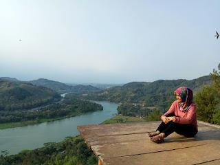Bukit Watu Meja Banyumas