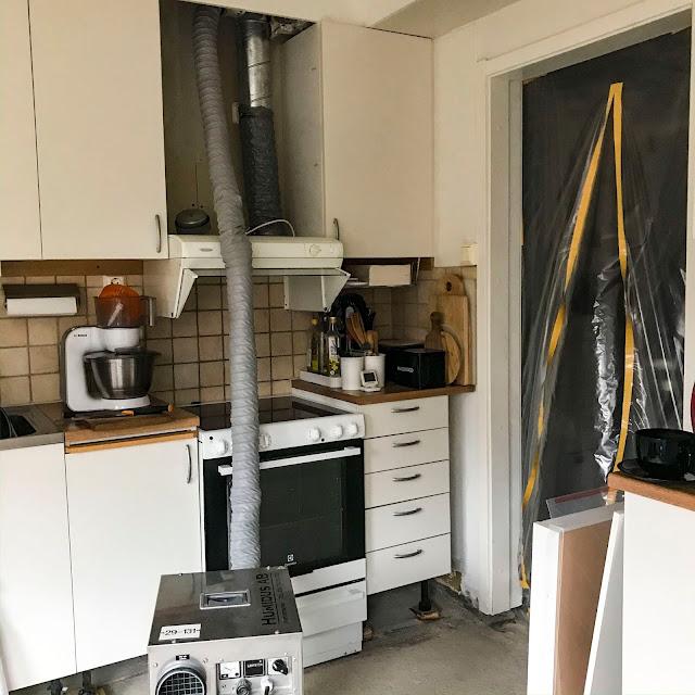 köksgolv, kitchenfloor, vattenskada