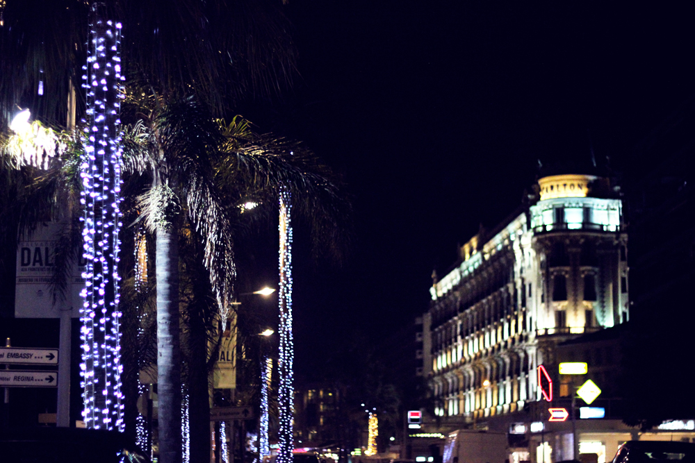 christmas decorations in cannes la croisette