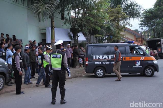 """Polisi Tangkap Terduga Penganiaya Pimpinan Ponpes Al Hidayah """"KH Umar Basri"""""""