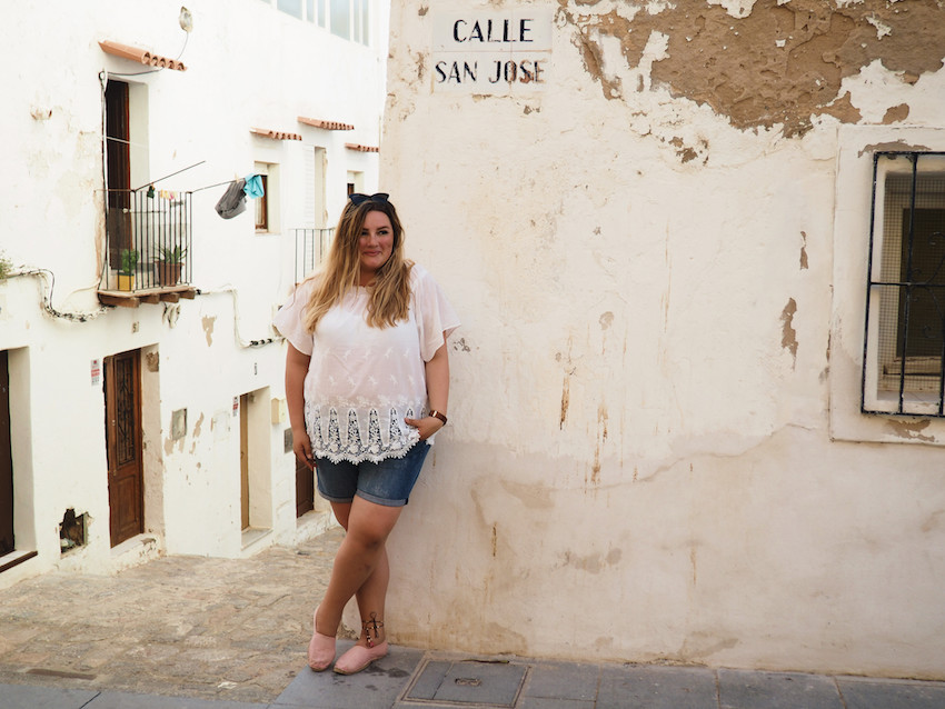 Plus Size Outfit weiße Bluse