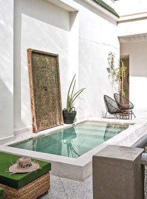 kolam renang minimalis