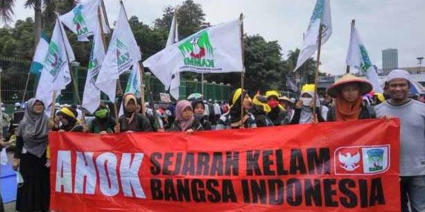 Ahoker Dibiarkan Sampai Pagi, Mahasiswa Pengkritik Jokowi Ditangkap dan Digebugkin