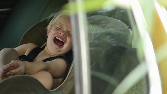 """Le dijo a la peluquera que """"no tuviera prisa"""", mientras su bebé moría encerrada en el auto"""