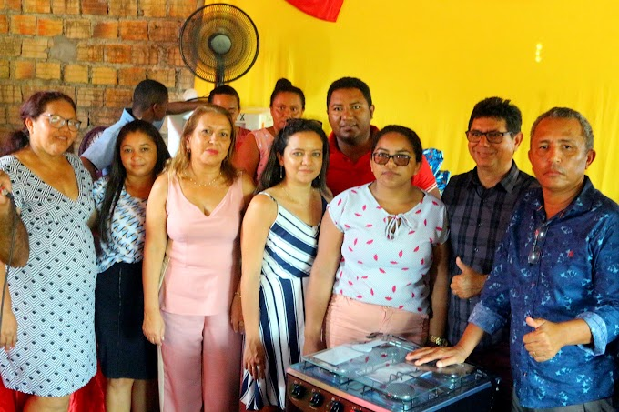 Vereador Ribinha Sampaio realiza festa do Dia das Mães na vila da Paz