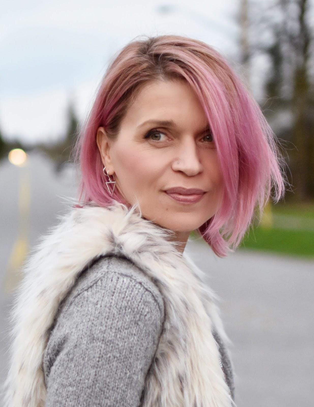 Monika Faulkner outfit inspiration - faux-fur vest, pink hair