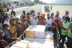 Luhut Binsar Panjaitan Launching Hasil Perikanan Pemkab Biak Numfor