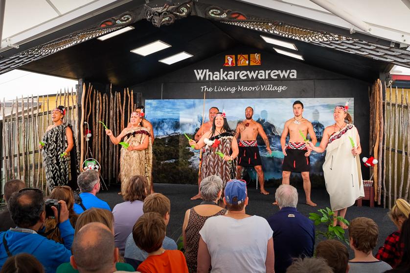 Traditional Maori dance performance, Whakarewarewa