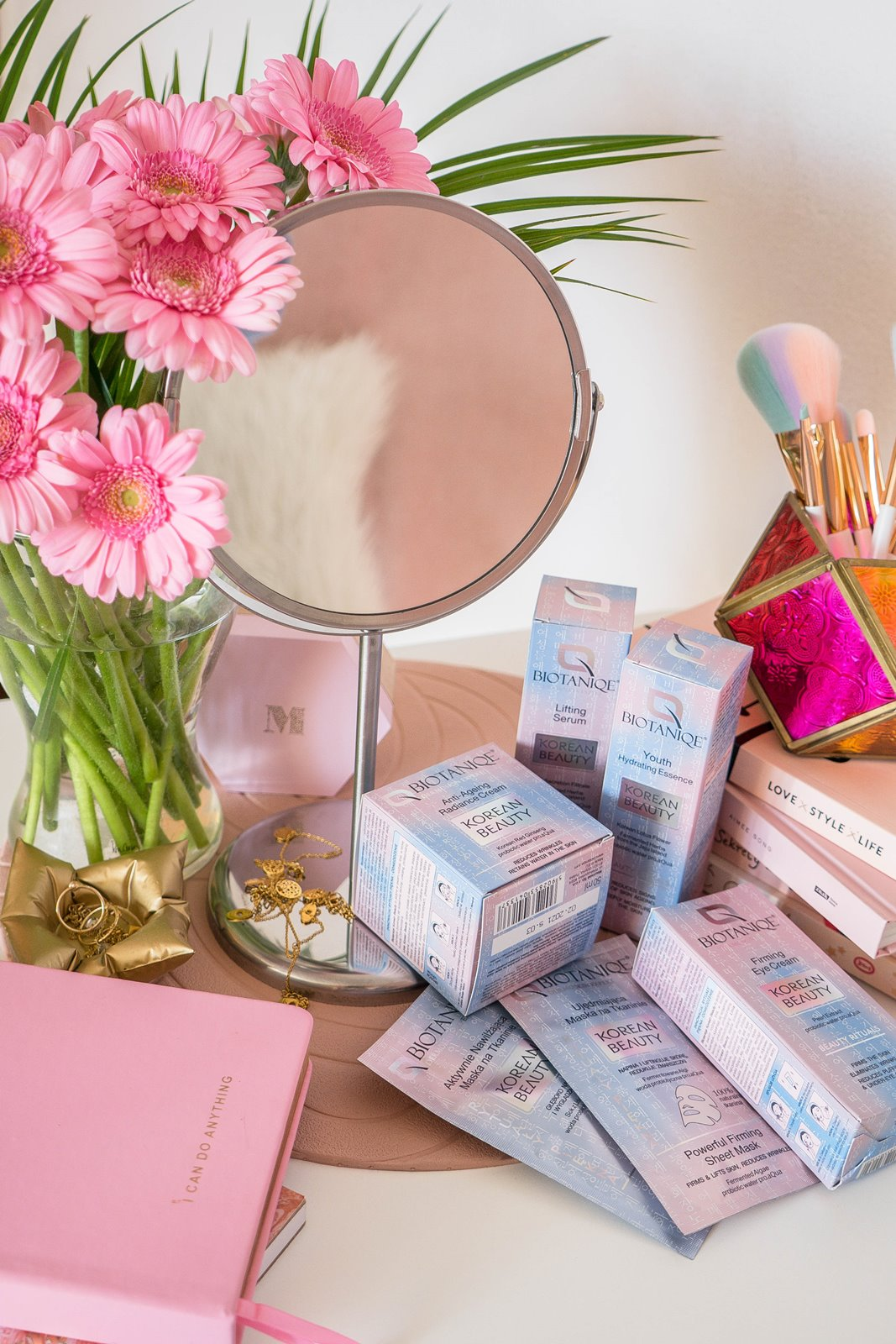 2 biotaniqe koreańska pielęgnacja krok po kroku w jakiej kolejności nakładać kosmetyki jak dbać o cerę koreańskie kosmetyki kremy serum maski korean beauty instagram melodylaniella łódzka blogerka lifestyle