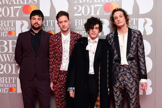 The 1975 ganha prêmio de Melhor Banda Britânica