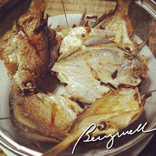 Cooking pomfret fish