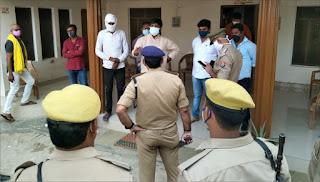 पूर्व सांसद धनंजय सिंह की तलाश में पुलिस ने की छापेमारी | #NayaSaberaNetwork