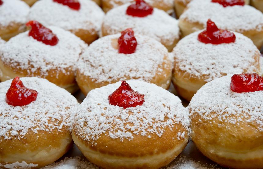 Sufganiyot: Classic Israeli Jelly Doughnuts