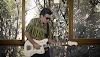 Lúcio Maia, guitarrista da Nação Zumbi, lança primeiro clipe solo