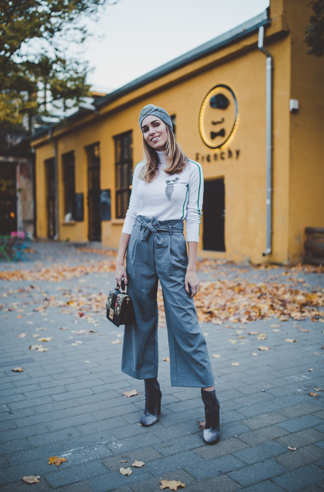 paperbag trousers outfit fall