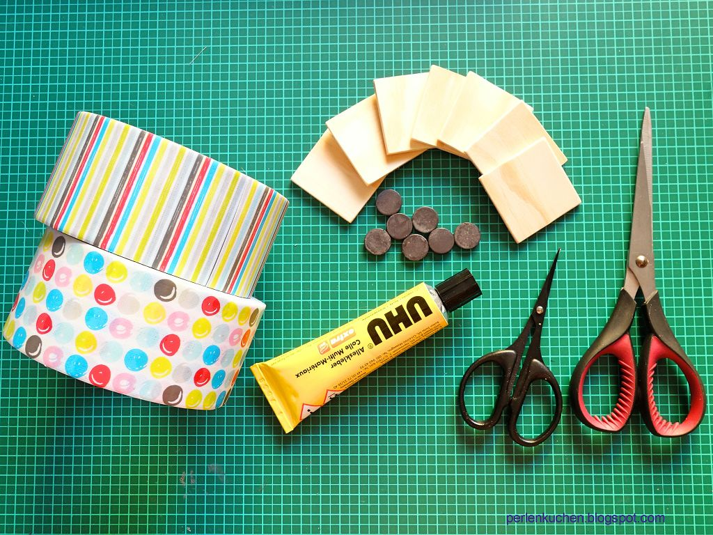 Kuehlschrankmagnete-selber-machen-selbstklebendes-Textilband