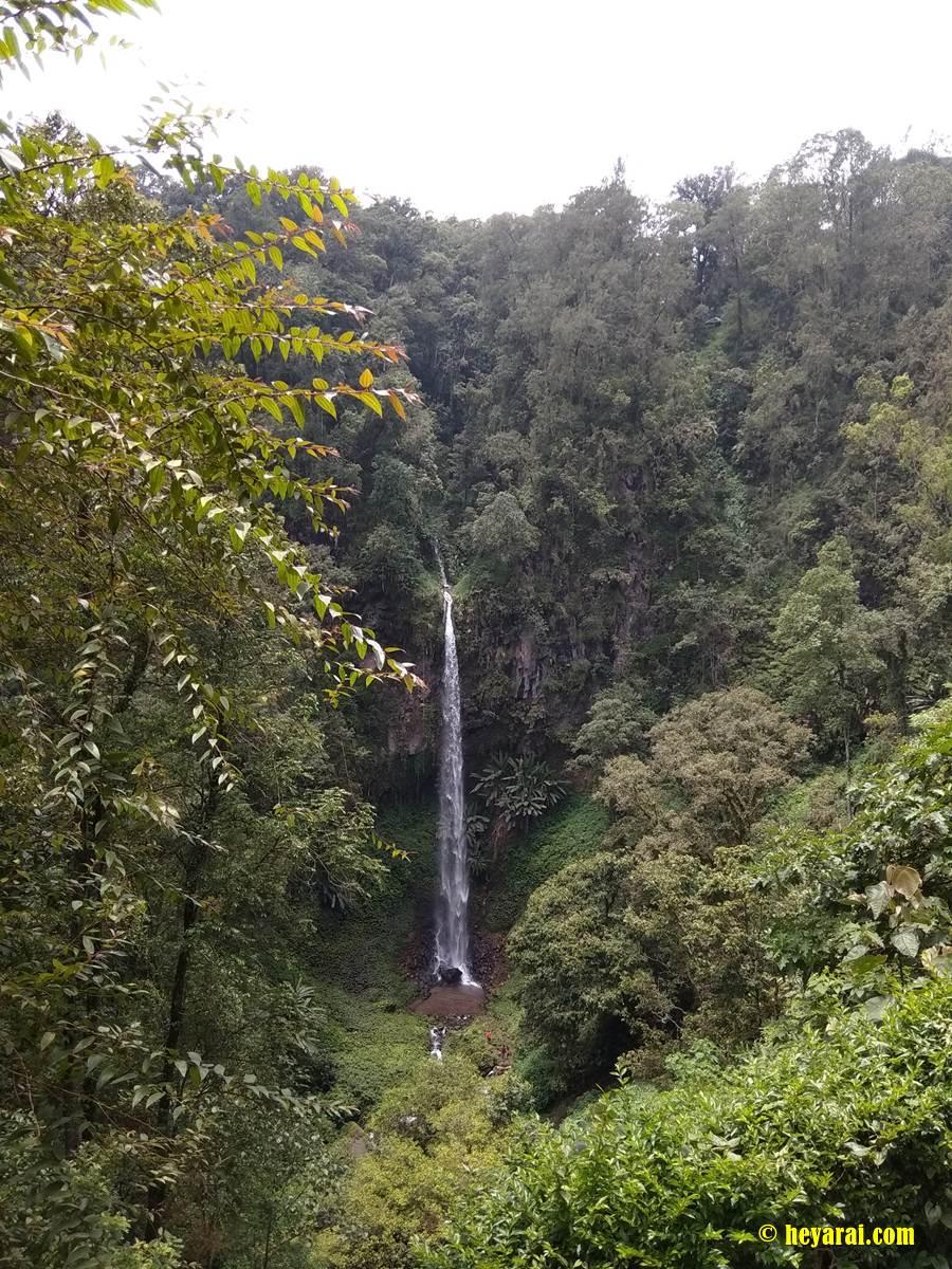 air terjun Watu Ondo dari ketinggian